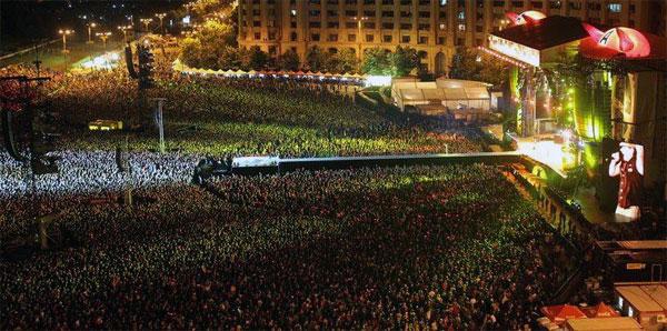 Piața Constituției din București