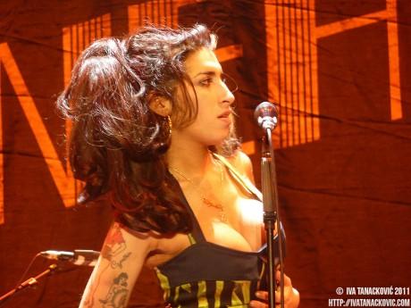 Amy Winehouse huiduita in Belgrad (foto: Iva Tanackovic)
