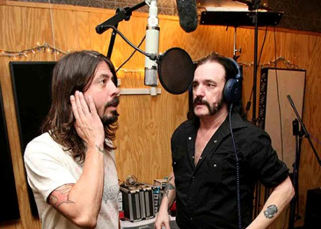 Dave Grohl (Foo Fighters) si Lemmy (Motorhead)