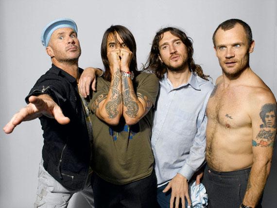 Red Hot Chili Peppers pleaca in turneu