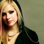 Avril-lavigne a fost agresata
