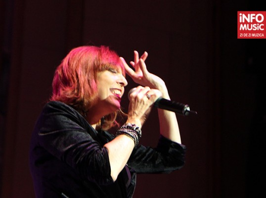 Cheryl Bentyne - Concert The Manhattan Transfer (Bucuresti, 11.11.2011)