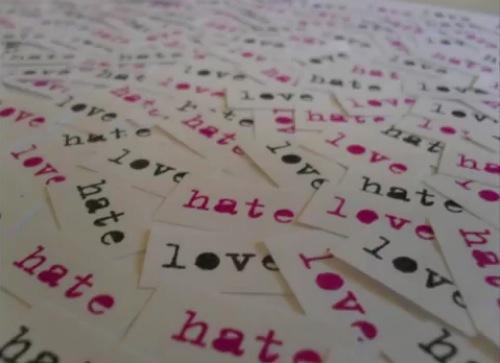 Garbage-I-Hate-Love-Video (sursa foto idolator.com)