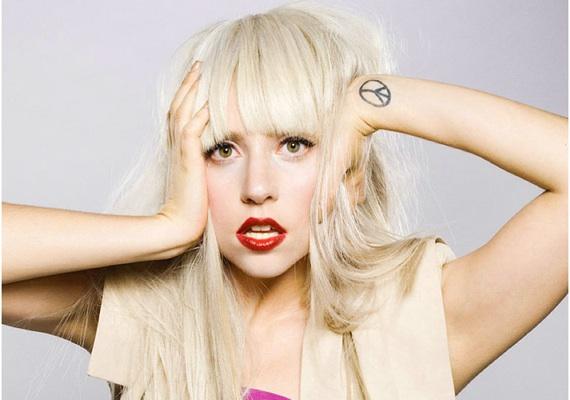 Lady Gaga (sursa foto fashionavecpassion.ro)