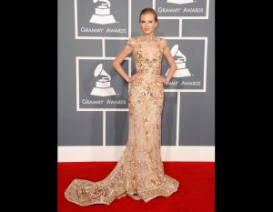 Taylor Swift - Red Carpet Grammy Awards 2012 (credit foto Getty)