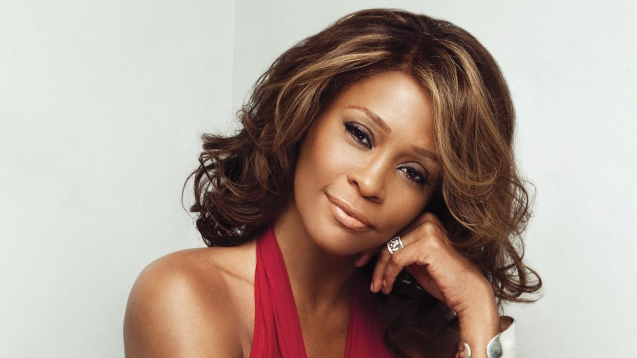 Whitney_Houston (sursa foto iblamehollywood.net)