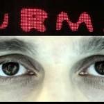 Mani, URMA (cadru din clipul Cine iubește și lasă)