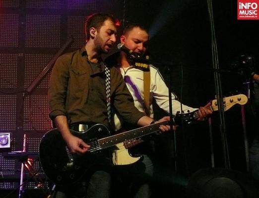 Horia și Mitch (Oliver) în concert de lansare EROS în Wings Club