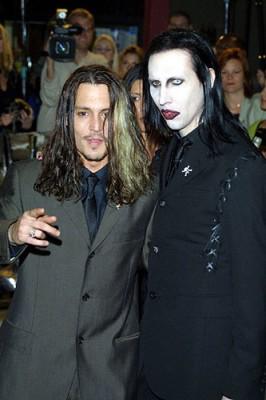 Johnny Depp si Marylin Manson canta impreuna