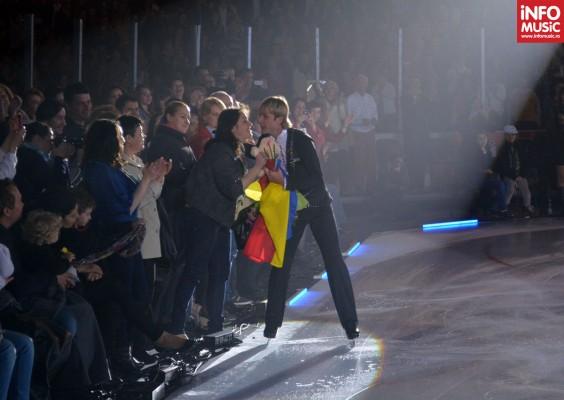 Evgeni Plushenko a purtat steagul României în semn de mulțumire pentru publicul de la București