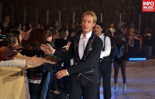 Evgeni Plushenko salută publicul bucureștean la Kings on Ice 2012