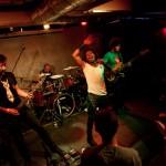 Trupa Voodoo cântând la petrecerea InfoMusic pe 20 aprilie în Club Control