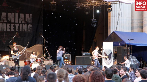 Changing Skins, prima trupă ce a cântat în deschiderea concertului Apocalyptica, 13 mai 2012