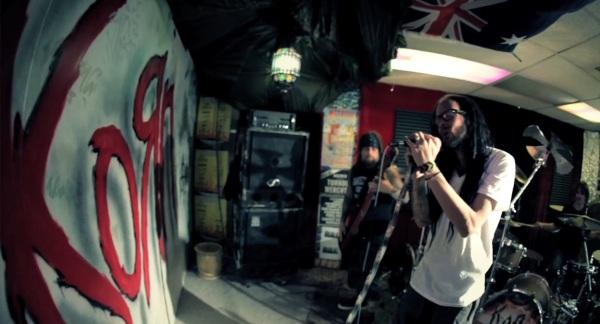 Korn - Way too far - videoclip