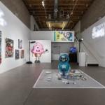 Chris Brown - lansare jucării Dum English și expoziție de artă