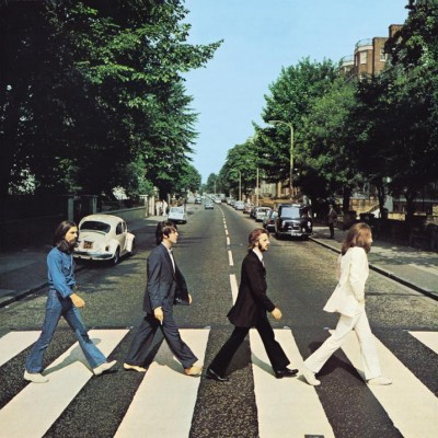The Beatles - traversând Abbey Road