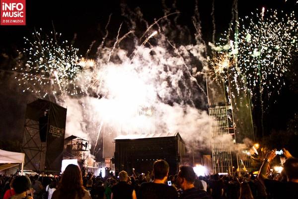 Artificii la finalul concertului Manowar