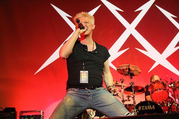 Ray Haller în concert alături de Metallica (San Francisco, decembrie 2011)