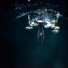 Machine Gun Kelly joacă rolul lui Tommy Lee într-un nou film despre Mötley Crüe