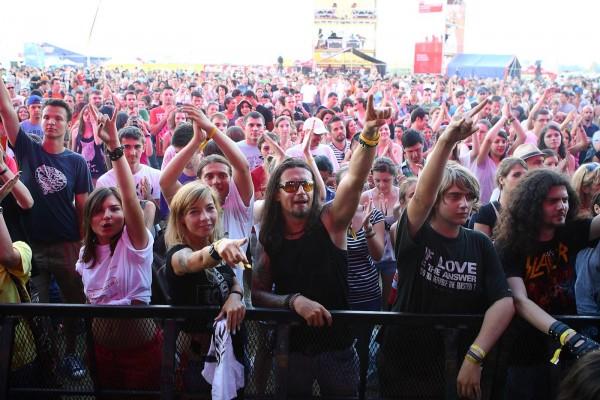 Publicul B'Estfest în cea de-a doua zi de festival (foto Alex Bărbulescu)