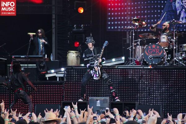 DJ Ashba și Guns N' Roses la Rock the City 2012