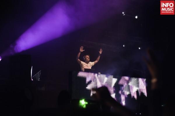 Armin Van Buuren la The Mission Dance Weekend 2012