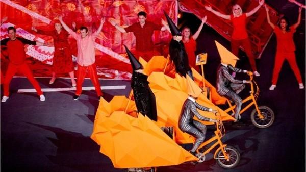Pet Shop Boys au cântat hitul West End Girls