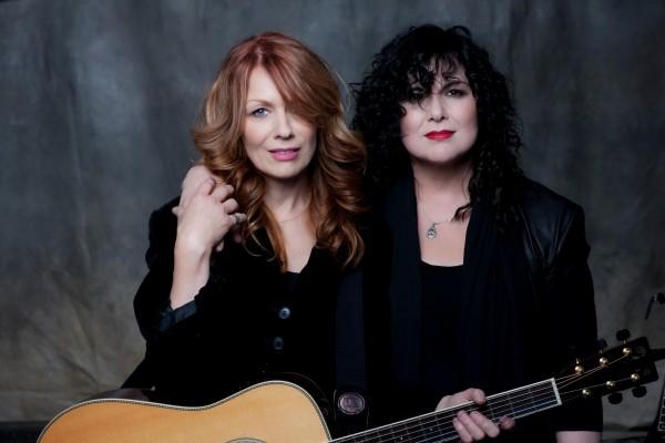 Heart - surorile Wilson: Ann (dreapta) și Nancy (stânga)