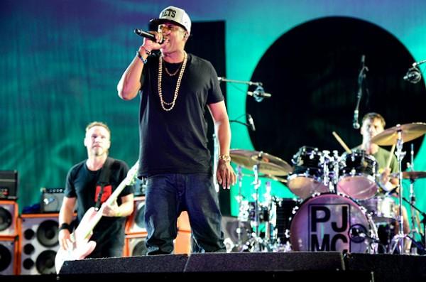 Jay-Z si Pearl Jam