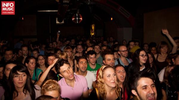 Publicul la concertul Kosheen din Club Panic Bucuresti pe 13 octombrie 2012