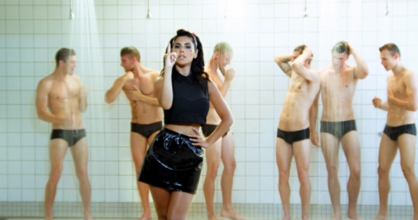 Marina And The Diamonds - How To Be A Heartbreaker Video