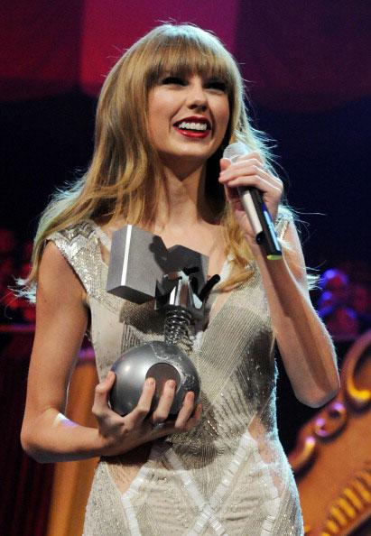 Taylor Swift a castigat 3 premii MTV EMA 2012
