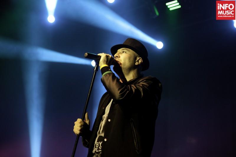 Mihai Georgescu în timpul concertului Bere Gratis de la TNB (2012)