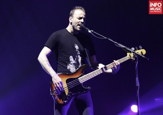 Christopher Wolstenholme, MUSE, in concert la Praga pe 22 noiembrie 2012