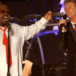 Rod Stewart si CeeLo Green cantand Merry Christmas, Baby