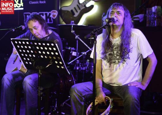 Concert LOTUS cu Cristi Minculescu in True Club