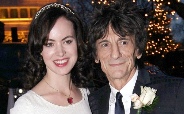 Ronnie Wood s-a căsătorit cu Sally Humphreys