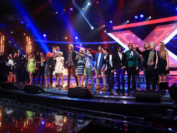Merry Christmas Everyone în deschiderea finalei X Factor Romania 2012