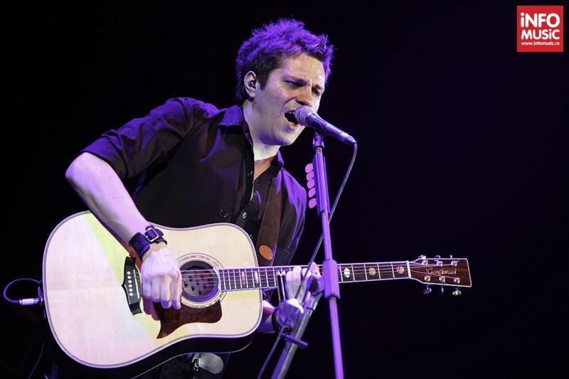 Dan Byron in deschiderea concertului SLASH de la Sala Palatului, 5 februarie 2013