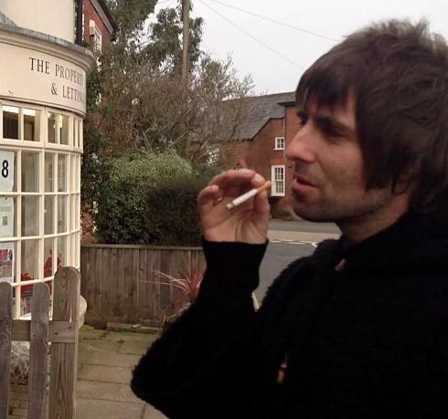 Secvență clip Liam Gallagher stă de vorbă cu fan
