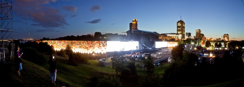 Roger Waters - The Wall - Quebec 2012
