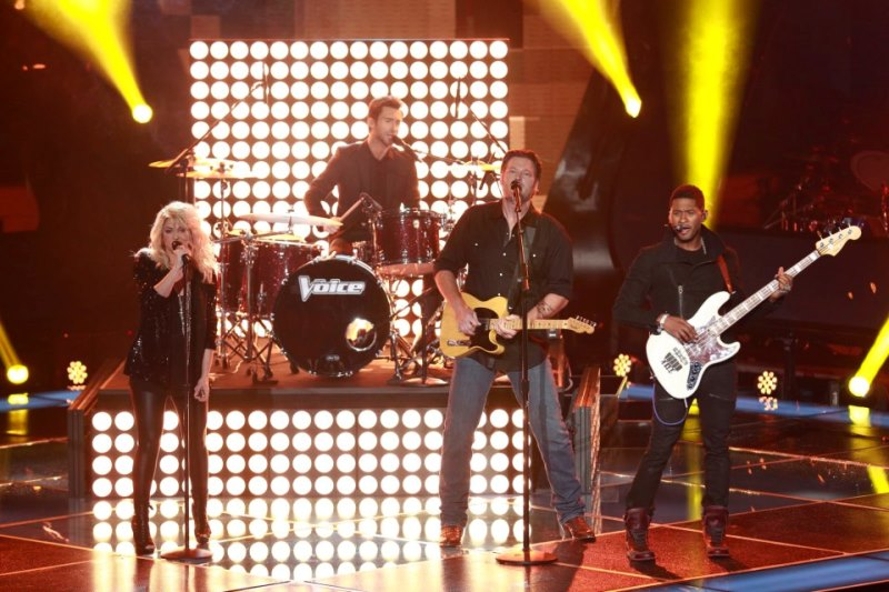 Shakira, Usher, Adam Levine și Blake Shelton au interpretat un cover după Com Together - the Beatles la premiera noului sezon The Voice USA
