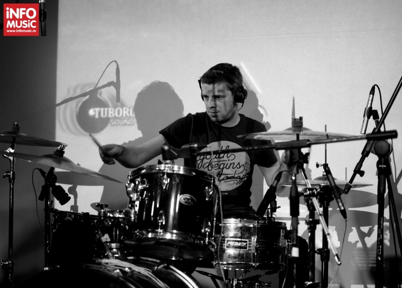 Cristian Chirodea în concertul TRAVKA din Club Control pe 18 aprilie 2013