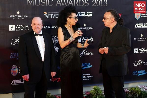 Nicu Alifantis si Marius Bațu pe covorul rosu la On Air Music Awards 2013