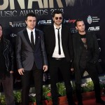 VUNK - Poze pe covorul rosul la On Air Music Awards 2013