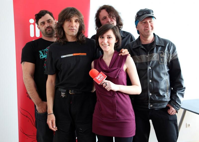 Florin, Kempes, Christian și Tavi împreună cu Alexandra la InfoMusic
