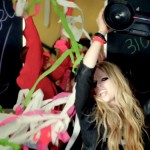 "Secvență clip ""Here's to Never Growing Up"" - Avril Lavigne"