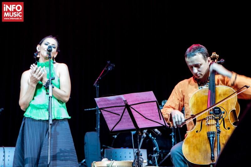 Analia Selis și sotul ei, violoncelistul Răzvan Suma alaturi de Analia Selis in deschiderea concertului BVSC