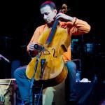 Violoncelistul Răzvan Suma alaturi de Analia Selis in deschiderea concertului BVSC