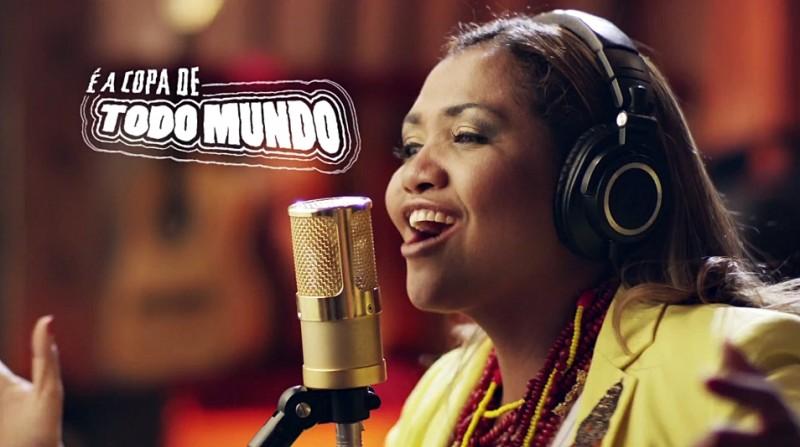 "Gaby Amarantos și Monobloco - ""Toto Mundo"" (Campionatul Mondial FIFA Brazilia 2014)"